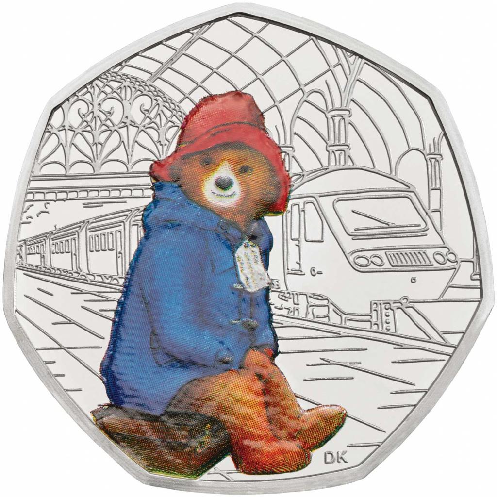 Медвежонок Паддингтон на Паддингтонском вокзале